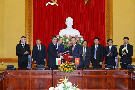 Thuc day quan he hop tac huu nghi truyen thong Viet Nam - Belarus - Anh 3