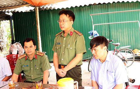 Tham hoi, dong vien gia dinh dong chi Thieu uy Nguyen Ba Cuong - Anh 1