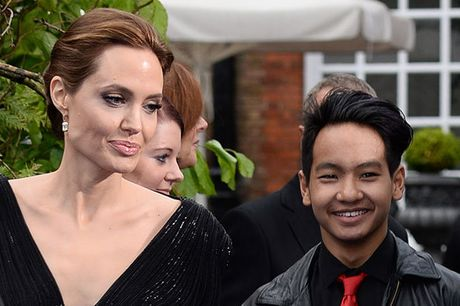 Cau be danh dau nhieu buoc ngoat trong cuoc doi Angelina Jolie - Anh 5