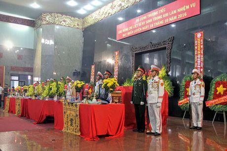 Xot xa tien biet 3 phi cong hy sinh o Vung Tau - Anh 1