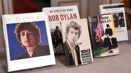 Bob Dylan :tu huyen thoai rock 'n'roll den giai Nobel van hoc - Anh 3