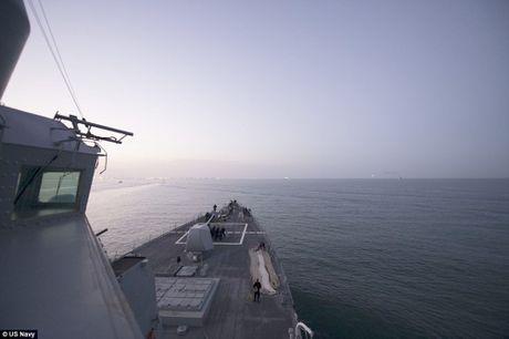 Khoi NATO len ruot, tung luc luong bam sat nhom tau san bay Nga - Anh 6
