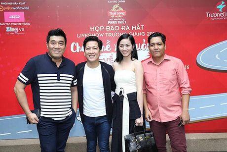 Truong Giang tri an khan gia mien Trung voi Liveshow 'Chang he xu Quang 2 – Ve que' - Anh 1