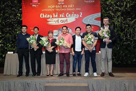 Truong Giang tri an khan gia mien Trung voi Liveshow 'Chang he xu Quang 2 – Ve que' - Anh 8