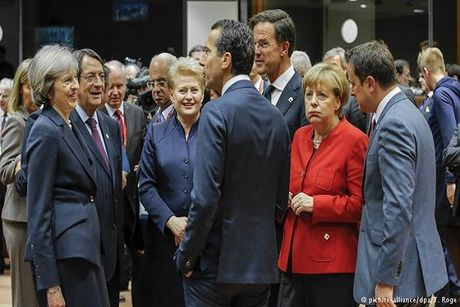 EU khong nhat tri ap dat them bien phap trung phat Nga - Anh 1