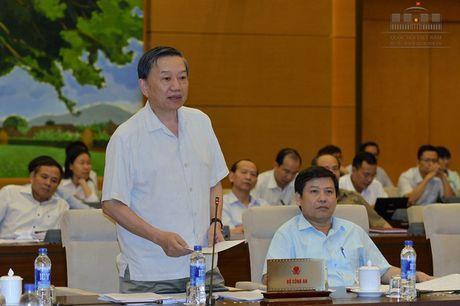 Bo truong Cong an: 'Bo luat Hinh su khong phai chi de xu ly toi pham' - Anh 1