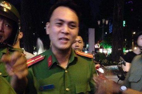 De xuat ky luat canh cao Thieu uy keo le nguoi phu nu ban hang rong - Anh 1