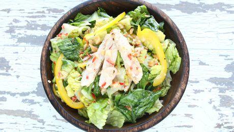 Cach lam salad thit ga tuyet ngon kieu Thai - Anh 1