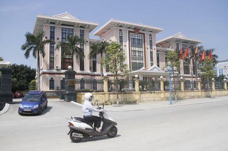 Doi tru so UBND, 'nhuong' dat vang cho doanh nghiep - Anh 2