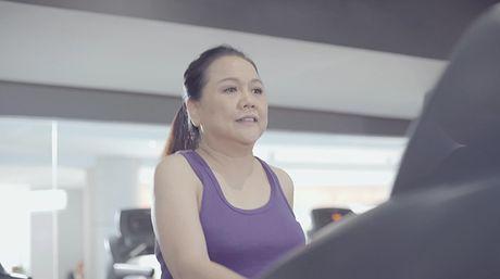 Lan Khue di chan dat, nhuong giay cho Mai Ngo toa sang trong MV cua Thanh Duy - Anh 16