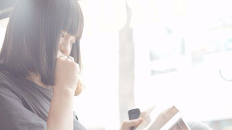 Lan Khue di chan dat, nhuong giay cho Mai Ngo toa sang trong MV cua Thanh Duy - Anh 2