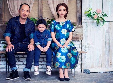 Thu Trang - Tien Luat 'phat hoang' truoc su nhang nhit cua con trai Andy - Anh 1