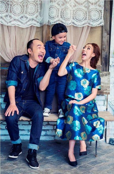 Thu Trang - Tien Luat 'phat hoang' truoc su nhang nhit cua con trai Andy - Anh 4