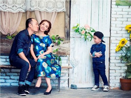 Thu Trang - Tien Luat 'phat hoang' truoc su nhang nhit cua con trai Andy - Anh 5