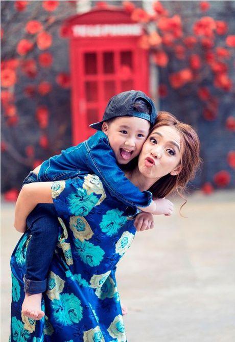 Thu Trang - Tien Luat 'phat hoang' truoc su nhang nhit cua con trai Andy - Anh 7