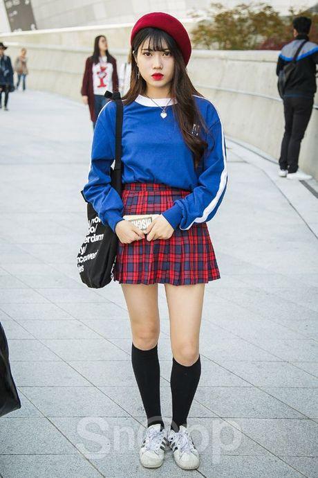 Mu noi chiem song loat street style tai Seoul Fashion Week - Anh 15