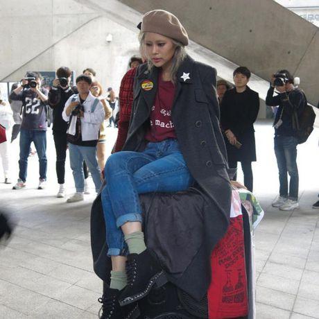 Mu noi chiem song loat street style tai Seoul Fashion Week - Anh 17