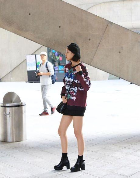 Mu noi chiem song loat street style tai Seoul Fashion Week - Anh 3
