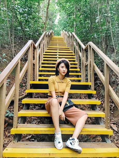 Day la cach ma Quynh Anh Shyn tro thanh mot fashion icon trong long gioi tre - Anh 9