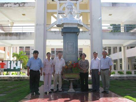 Nha van Le Van Thao da 'len nui tha may' - Anh 3