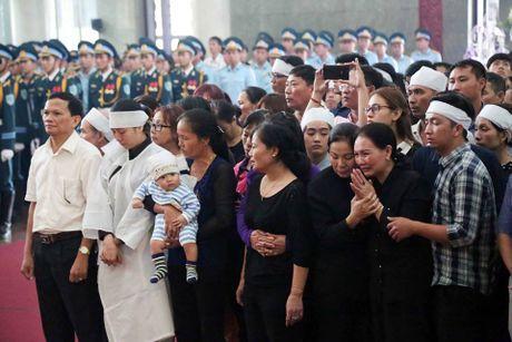 Thieu ta Duong Le Minh co gan 4.000 gio bay, lai nhieu may bay hien dai - Anh 2
