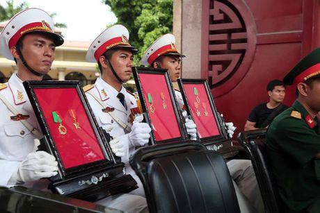 Thieu ta Duong Le Minh co gan 4.000 gio bay, lai nhieu may bay hien dai - Anh 5