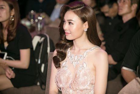 'Cam' Lan Ngoc goi cam khi gap lai 'thai tu' Isaac - Anh 4