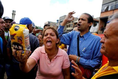Gia thuc an Venezuela tang vot giua canh nguoi dan chiu doi - Anh 1
