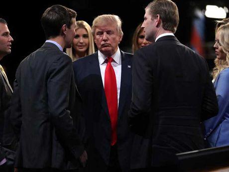 'So gang' lan 3 voi ba Clinton: Tham hoa cua ong Trump - Anh 2