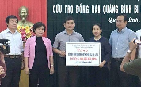 Hon 25 ty dong ung ho nhan dan vung lu Quang Binh - Anh 1