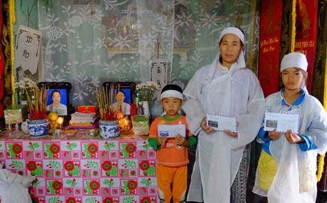 Hon 25 ty dong ung ho nhan dan vung lu Quang Binh - Anh 2
