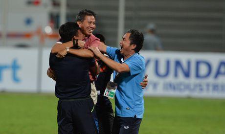 Nu cuoi U19 Viet Nam khi gianh ve tu ket giai chau A - Anh 1