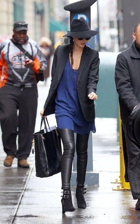 Chi voi chiec quan da, Miranda Kerr bien hoa du phong cach - Anh 5