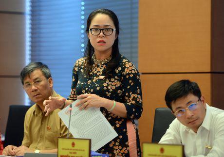 Ong Dao Vinh Thuan phai xin loi nhan vien Vietnam Airlines - Anh 1
