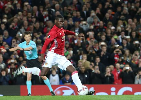 Thuc hu chuyen Pogba tranh da 11m voi Rooney - Anh 1