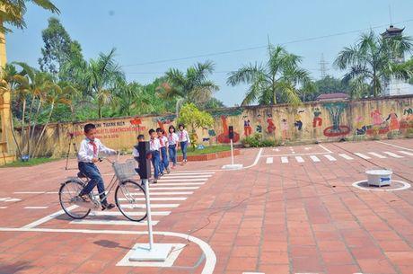 Bac Ninh: Nhan rong mo hinh an toan khi den truong, ve nha - Anh 1
