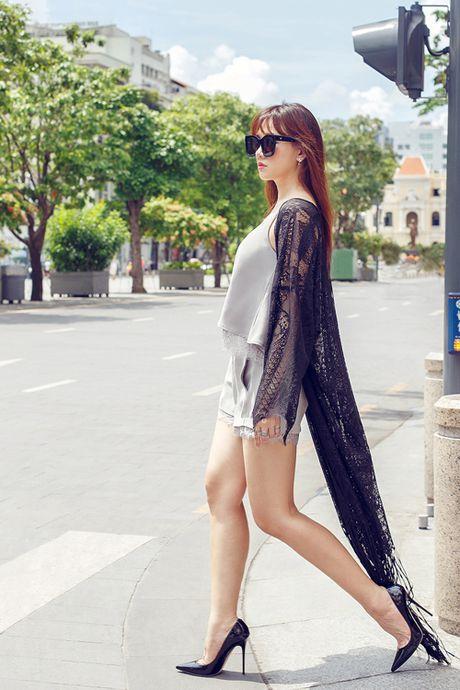 Hari Won khoe street style do ngu xuong pho - Anh 2