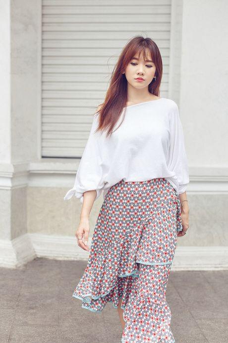 Hari Won khoe street style do ngu xuong pho - Anh 5