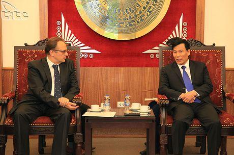 Bo truong Nguyen Ngoc Thien tiep Dai su Belarus - Anh 1