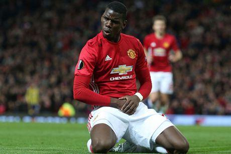 Pogba lan dau tien lap cu dup, Man United dai thang o Europa League - Anh 1