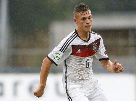 Kimmich la Mueller moi o Bayern - Anh 1