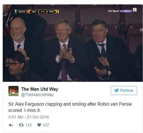DAC BIET: Sir Alex va CDV Man United vo tay chuc mung pha lam ban cua Robin van Persie - Anh 4