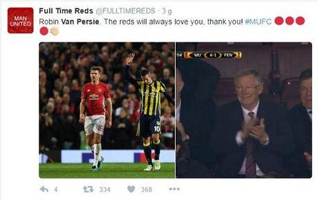 DAC BIET: Sir Alex va CDV Man United vo tay chuc mung pha lam ban cua Robin van Persie - Anh 6
