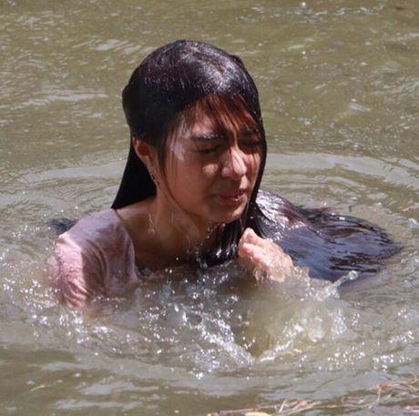 Bat ngo voi dung nhan cua my nhan Thai 'tinh dan ong' - Anh 9