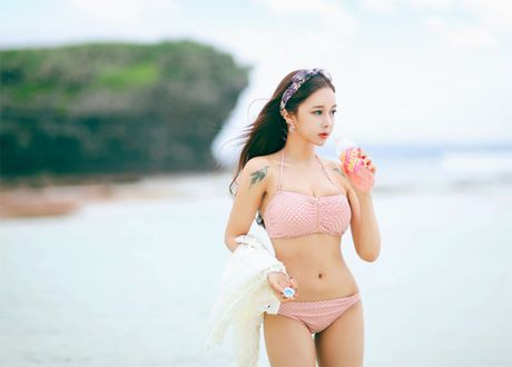 'Nong ray' voi anh bikini cua hot girl dep nhat xu Han - Anh 19
