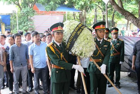 Hang nghin nguoi dan nghen long tien phi cong vu roi may bay - Anh 7