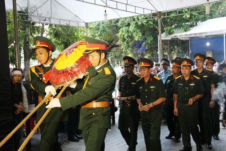 Hang nghin nguoi dan nghen long tien phi cong vu roi may bay - Anh 8