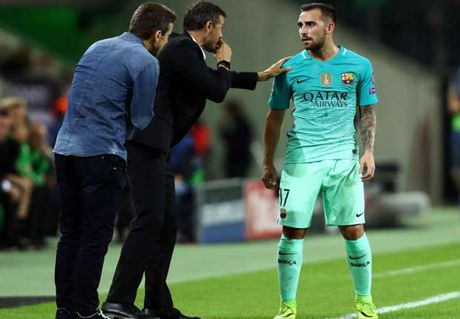 CDV Valencia se khong buong tha Paco Alcacer - Anh 1