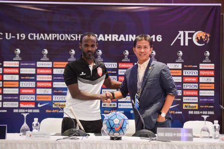 HLV Hoang Anh Tuan noi gi truoc cuoc 'so gang' voi chu nha U19 Bahrain - Anh 1
