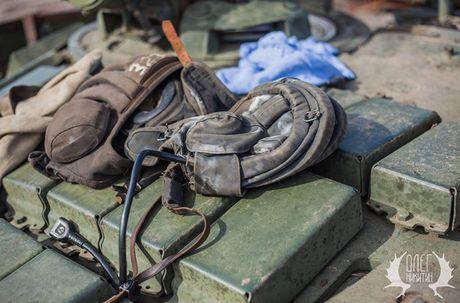Bat ngo dan tang T-72B1 cua dan quan mien Dong Ukraine - Anh 10